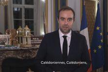 Sébastien Lecornu s'adressant aux Calédoniens le 11 janvier dernier.