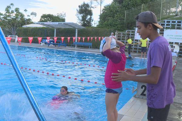 stagiaire natation j'apprends à nager