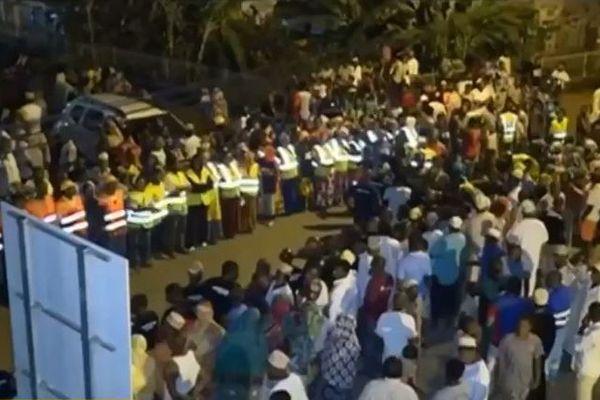 Rassemblement à Doujani