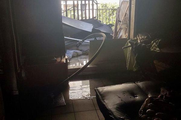 Salon appartement incendié