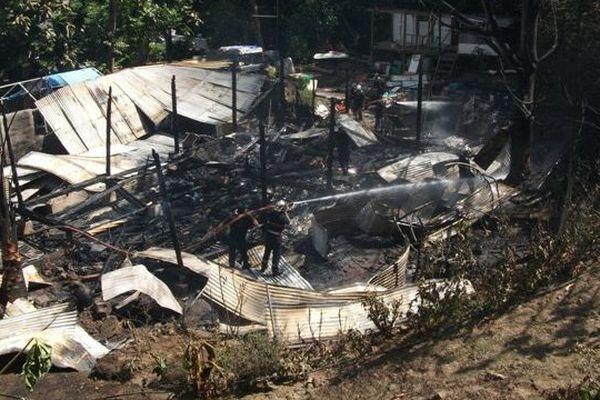 La maison a été ravagée par les flammes