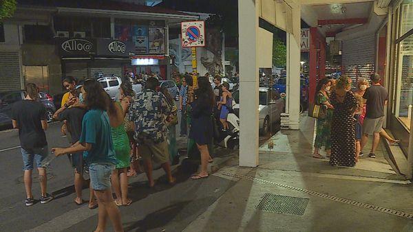 Papeete by night : «La France se confine, Tahiti se libère»