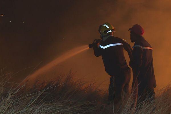 Pompiers feu brousailles