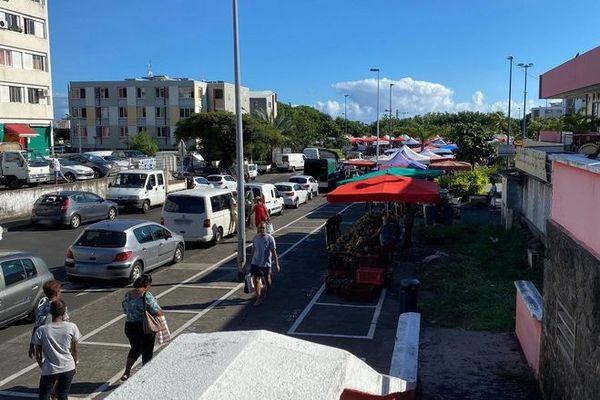 Coronavirus confinement jour 6 marché forain du Chaudron dimanche 220320