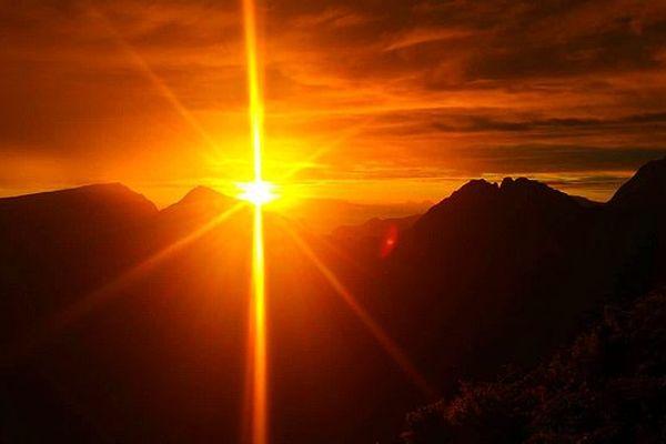 Lever de soleil à Mafate