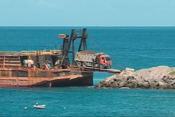 Convoyage camions par la mer