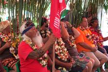 La pirogue Fa'afaite vient d'arriver à Rurutu, la troisième étape de son périple dans l'archipel des Australes. L'accueil de la pirogue à voile a été fastueux.