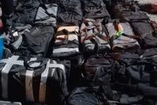 18 sacs pleins de cocaïne, plus de 500 kilos de poudre blanche au total: une saisie record en Guyane, réalisée jeudi soir par les policiers de l'OFAST et les gendarmes au port de Dégrad Des Cannes, à Rémire-Montjoly.
