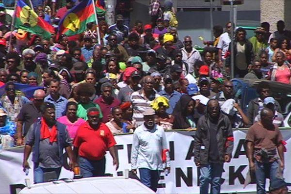 Plusieurs centaines de personnes ont participé à la manifestation pour la doctrine nickel