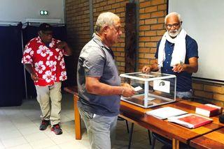 Référendum premier électeur Hienghène mairie