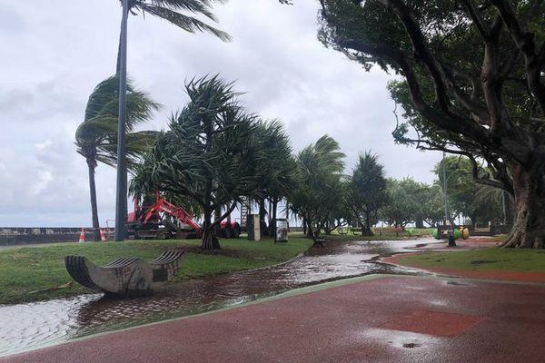 Tempête tropicale Iman, le Barachois à Saint-Denis en eau.