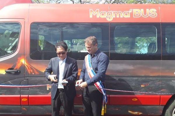 Lancement de la navette Magma'bus à Saint-Philippe.