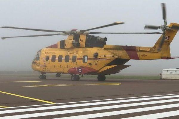 Hélicoptère garde côtière canadienne