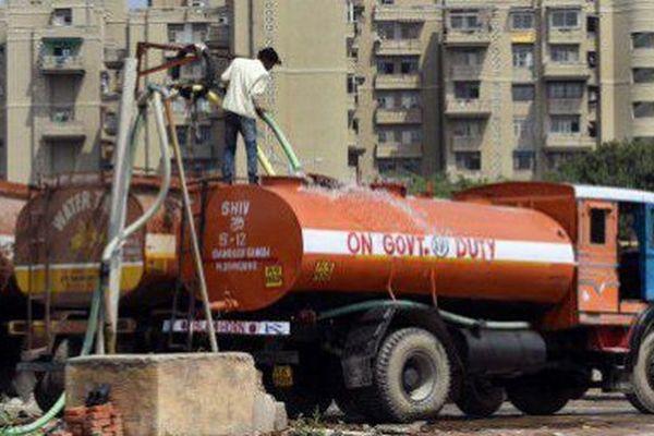 Distribution d'eau à New Delhi