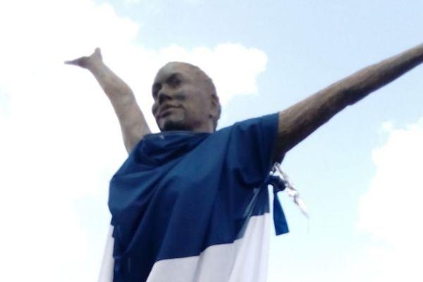 La statue de Clarissa Jean-Philippe à Sainte- Marie
