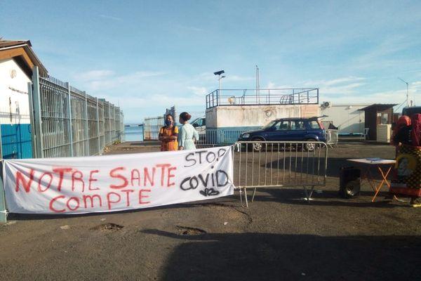 Opération coup de poing ce jeudi dans les gares maritimes de Mayotte, ici en Petite-terre avec le collectif des citoyens de Mayotte (2018)
