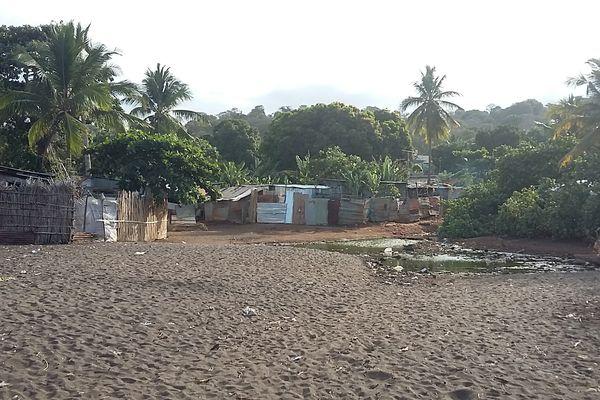 Bidons ville au sud de Mayotte