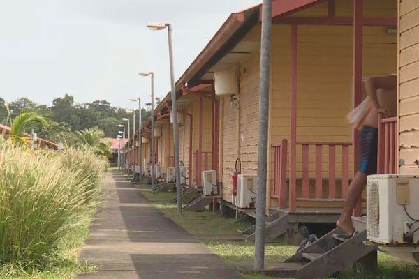 Centre de confinement à Sinnamary à l'hôtel du Fleuve