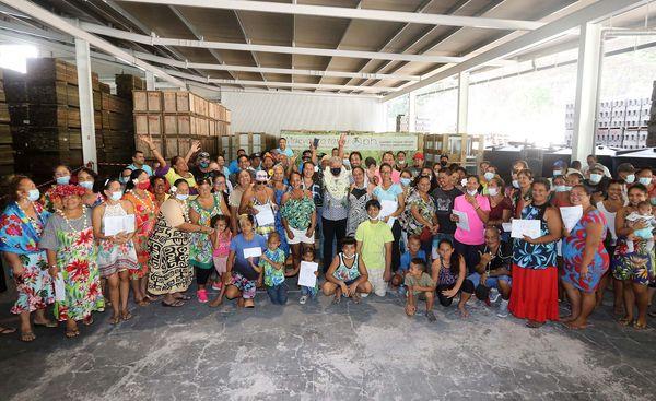 42 clés du bonheur remises à des familles de Tahiti et Moorea