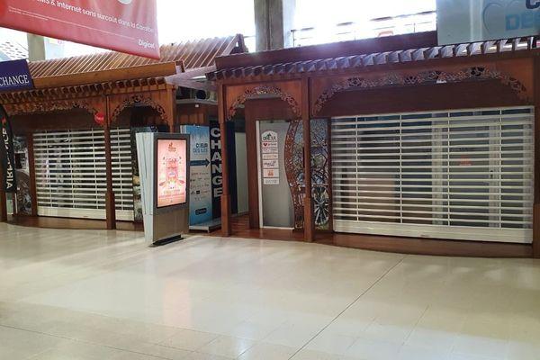 boutiques aéroport fermées