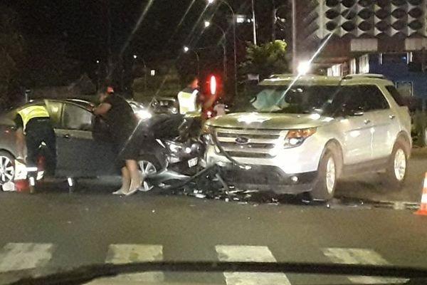 Accident carrefour hippodrome Pirae