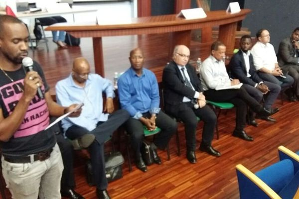 Davy Rimane lors de la 1ère réunion du Comité local de suivi de l'Accord de Guyane