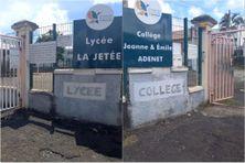 Barrages levés devant la cité scolaire La Jetée au François, mais les agents FO-CTM qui campent devant l'établissement, n'ont pas repris du service (lundi 13 septembre 2021).