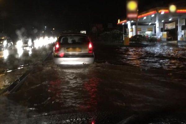 inondations en série suite aux fortes pluies.