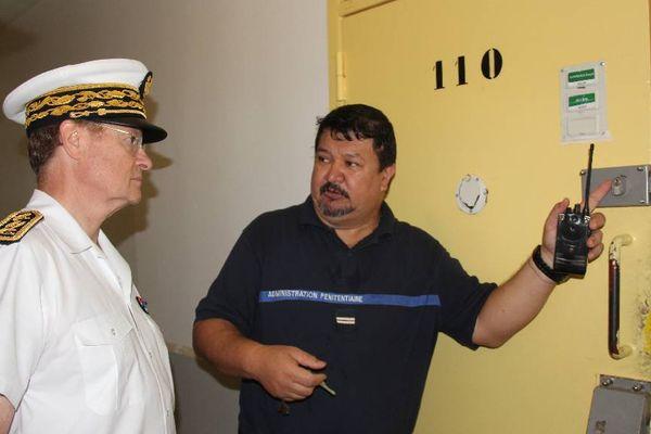 René Bidal visite la prison de Nuutania 2