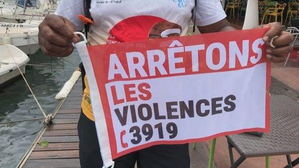 lutte contre violences faites aux femmes pavillons Saint-Gilles-les-Bains 231119