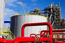 L'usine du Nord (KNS) en Nouvelle-Calédonie est adossée au massif du Koniambo