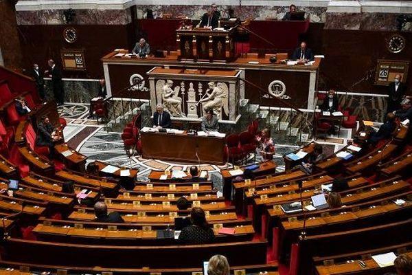 StopCovid l'Assemblée vote pour le traçage numérique à une confortable majorit