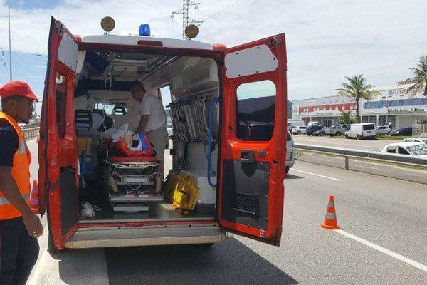 Un blessé grave dans une collision entre un vélo et une voiture à Matoury