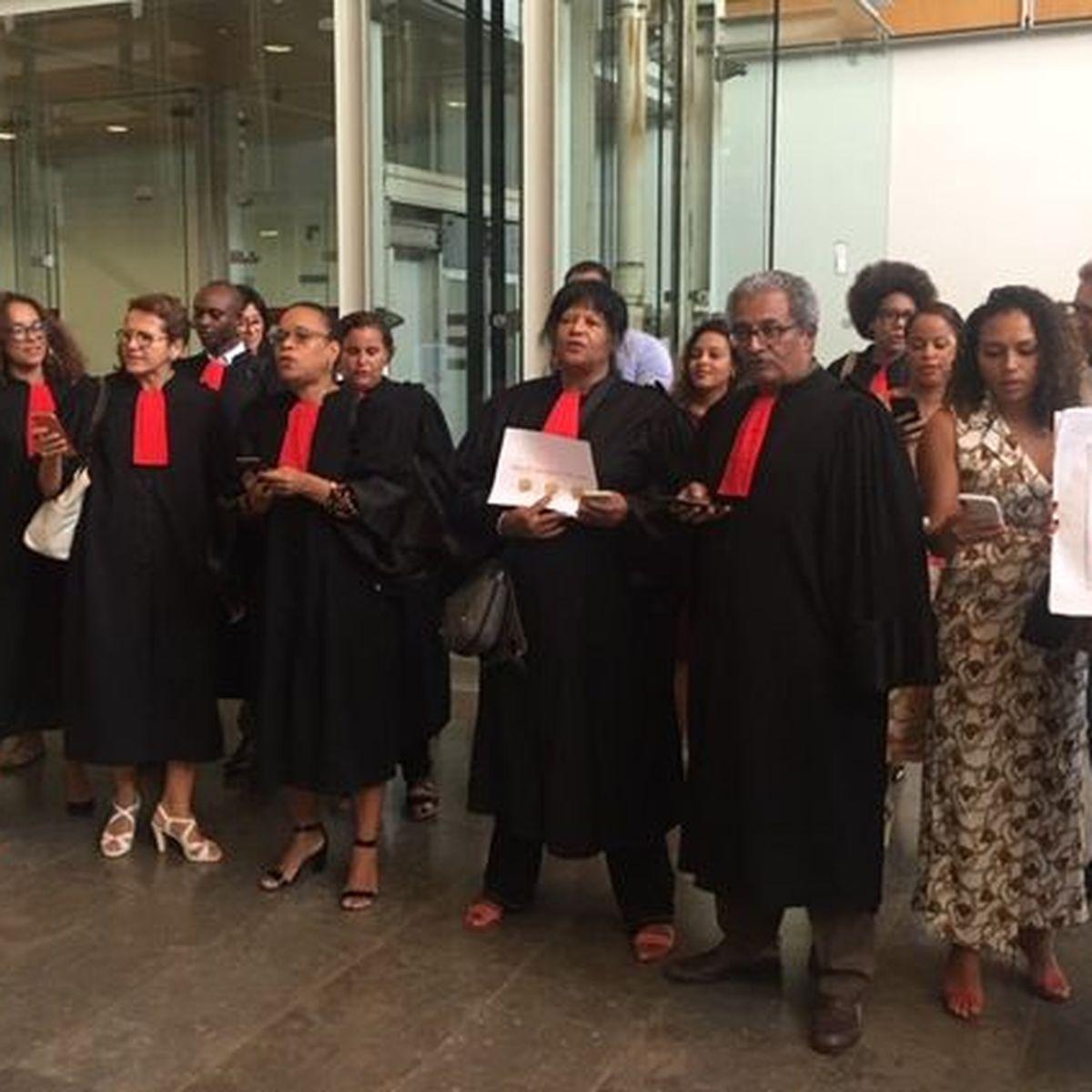 Réforme des retraites : les avocats de Martinique protestent en chantant