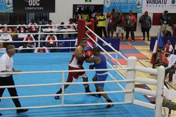 Mini Jeux du Pacifique : boxe Tuisamoa contre boxeur de Tokelau (13 décembre 2017)
