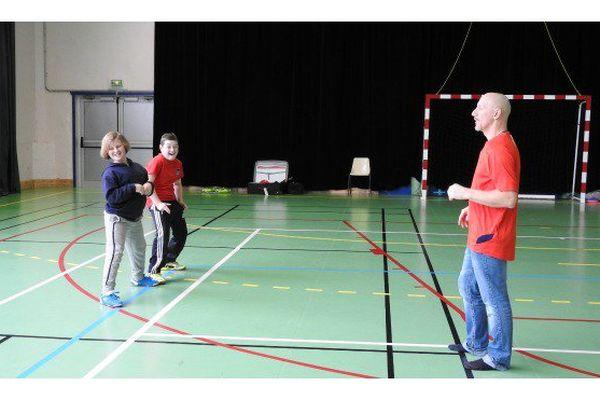 Carton plein pour le stage de jonglerie organisé pour les jeunes de Saint-Pierre