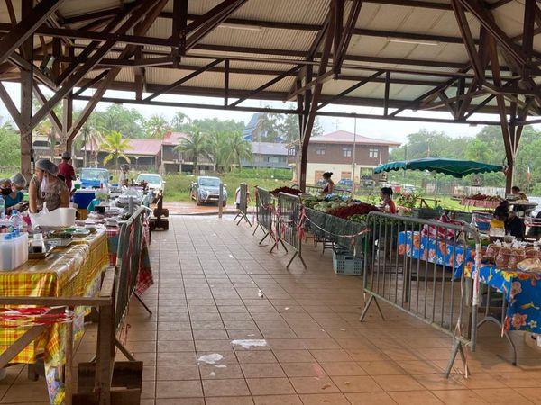Le marché de Cacao attend les clients