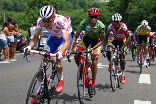 Clément Davy remporte la 3e étape du tour  cycliste international de Martinique