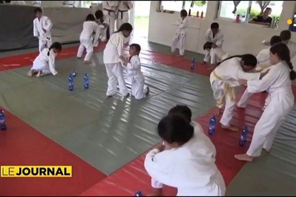 Un champion de judo au dojo de Rangiroa