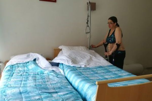 Yasmina Mayet est arrivée ici en décembre le temps de subir une opération de la colonne vertébrale.