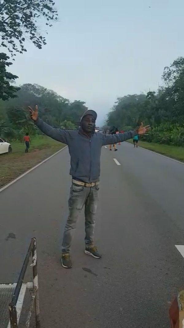 Manifestation sur la route entre Albina et Paramaribo