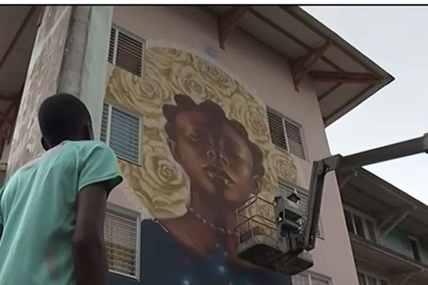 fresques : le regard de Monk - E dans les quartiers de Kourou