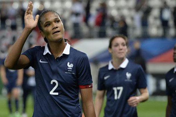 Wendie Renard sortie sur blessure en fin de match Ukraine-France