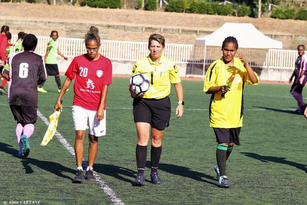 Football arbitre Aurélie Viarouge