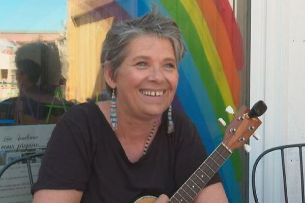 Nanette Drake, la chanteuse de retour à Saint-Pierre