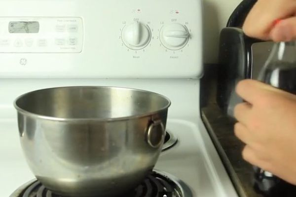 [VIDEO] Voici ce qui se passe quand on fait bouillir du Coca-Cola