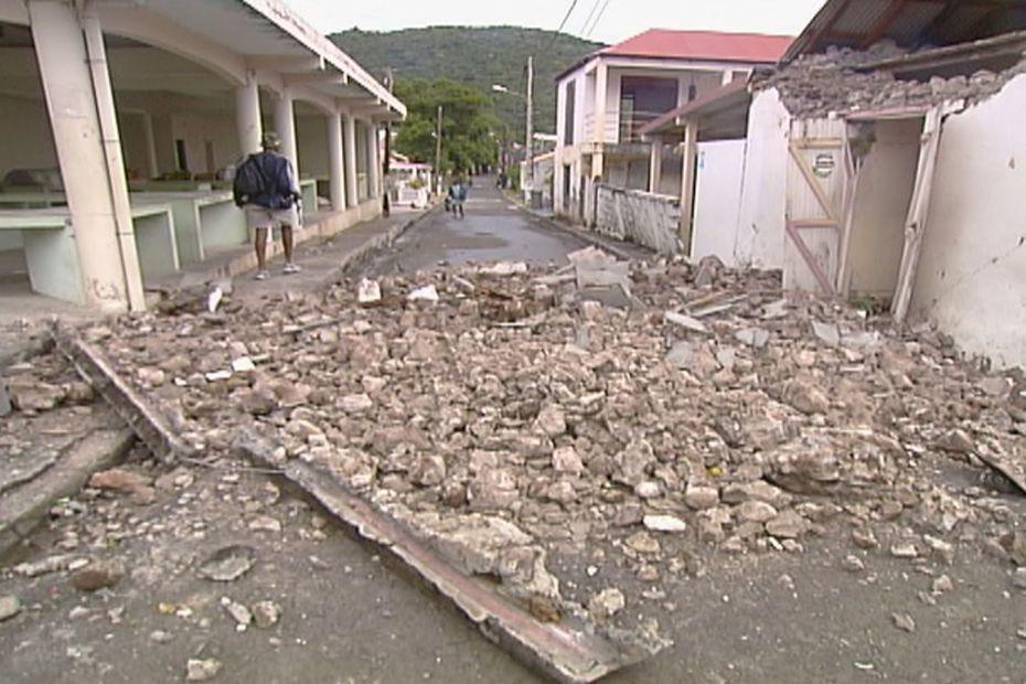 """""""Face au risque sismique soyons sans faille"""" - Guadeloupe la 1ère"""