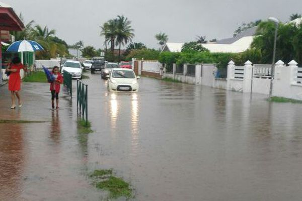 Inondation d'un quartier de Cayenne
