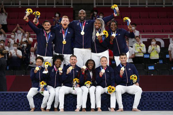 Médaille d'or équipe de France judo