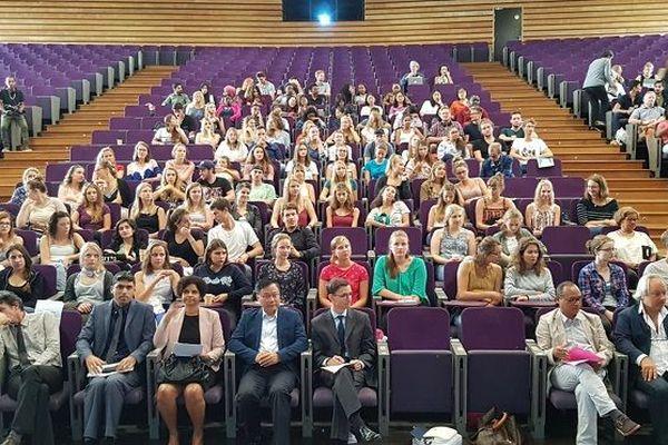 Près de 400 étudiants étrangers ont été accueillis à l'université de La Réunion ce vendredi.